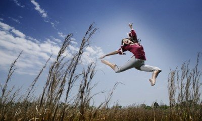 Jumping_on_the_Fields